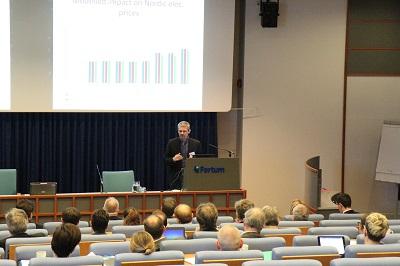 Hans-Erik Linboe esiintyi Fortuminjärjestämässä tilaisuudessa