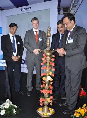 Fortumin uuden aurinkovoimalaitoksen vihkiäiset Intiassa tammikuussa 2015